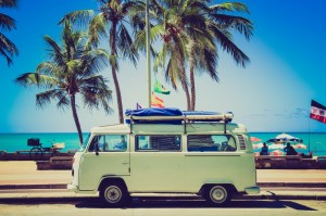 beach-bus-holiday-1106-830x550